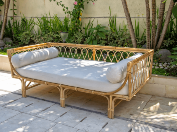 The Ultimate Guide to Choose the Rattan Daybed